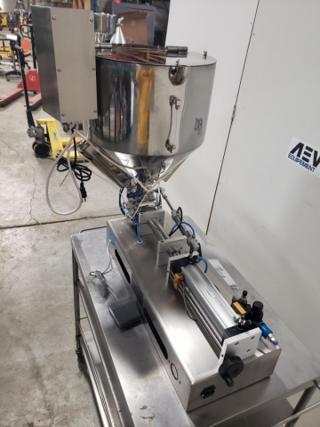 Custom Made Semi-Automatic Piston Filling System-10